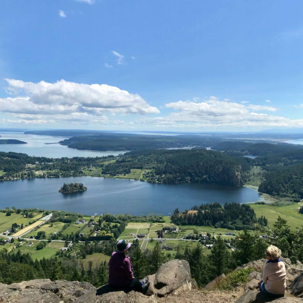 Hiking in Anacortes, view from the mountaintop